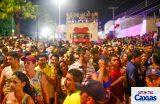 A folia de momo no sábado de carnaval em Caxias