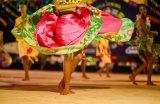 São João que a gente quer: Quadrilhas estilizadas e atrações musicais atraem multidão à Vila Junina na última terça-feira (27)