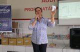 Coordenadora do Bolsa Família realiza através da SEMECT uma palestra com professores sobre o recadastramento dos alunos no programa