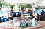 Feirinha Solidária arrecada alimentos e roupas para atingidos pelas enchentes